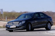 Mercedes-Benz C350 4Matic -przód/bok