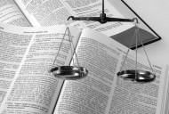 Pozew o uchylenie alimentów musi zawierać przytoczenie uzasadniających go okoliczności faktycznych mających znaczenie dla rozstrzygnięcia sprawy, a także wskazywać dowody na poparcie zgłoszonego żądania.